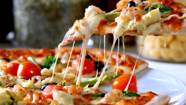 宅配ピザの冷凍保存期間や温め方は?冷蔵庫の保存期間は何日?などをご紹介!